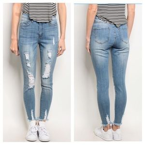 Blue Denim Jeans With Ripped Detail